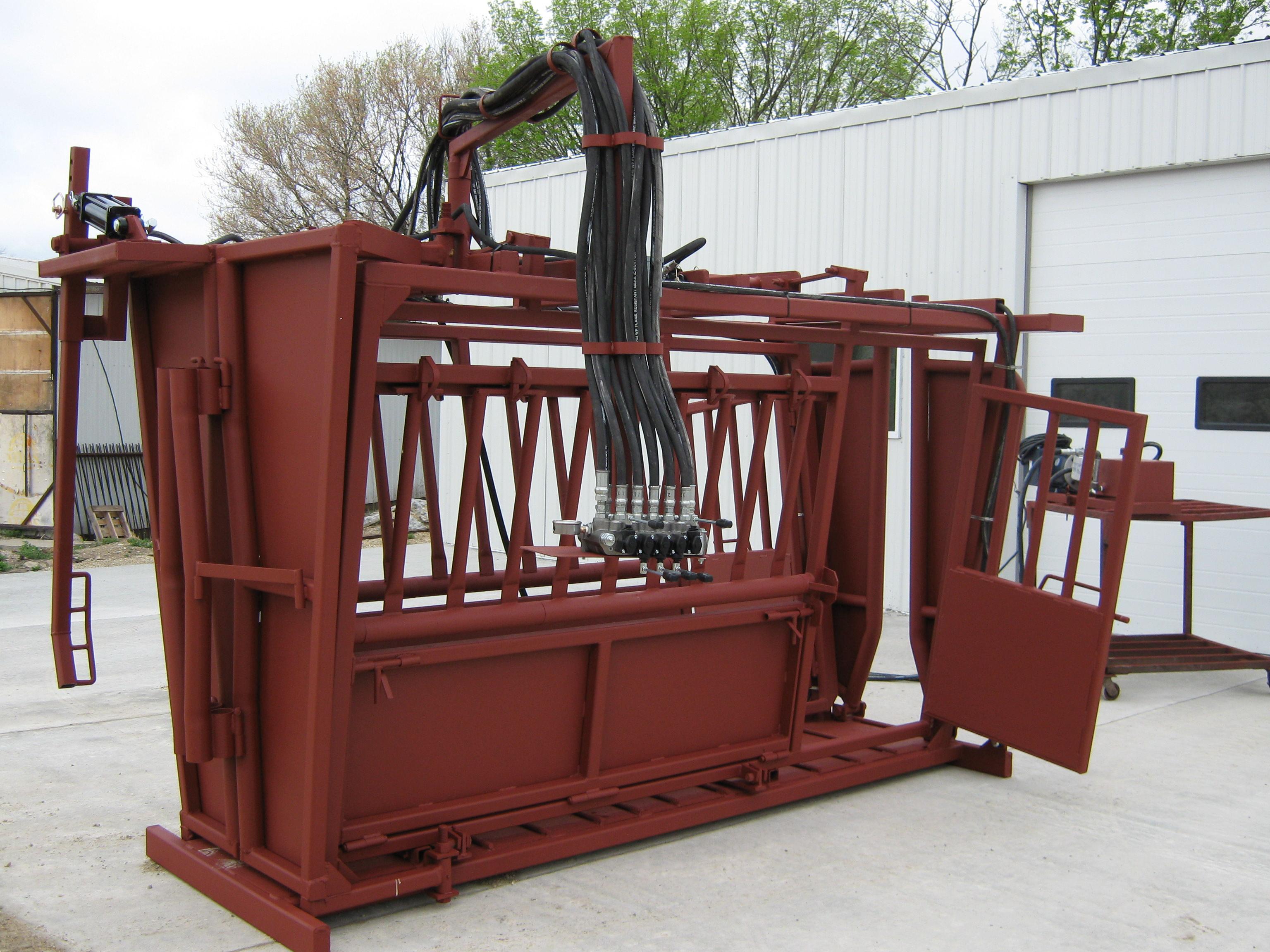 TaskMaster Custom Hydraulic Chute   Luco Manufacturing